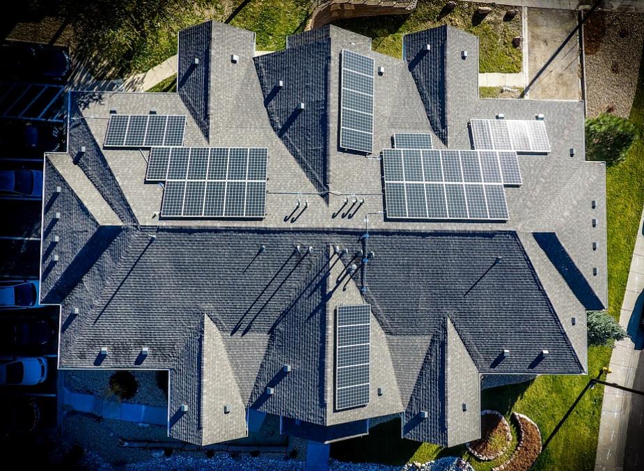 this image shows huntington beach asphalt roofers