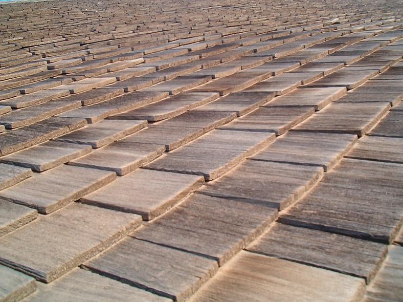An image of cedar shake roofing in Huntington Beach.